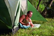 Lều cắm trại Bestway 68014 DÀNH CHO 4 NGƯỜI Kích thước: (1m + 2.10m) x 2.40m x 1.30m. Chất liệu: 190T polyester tráng PU600mm chống thấm, chống cháy cao cấp.Thiết kế: Lều mái vòm chắc chắn.