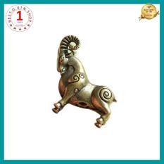 Tượng đồng mini tuổi Dê bằng đồng thau chế tác thủ công dùng để trang trí bàn làm việc oto đem lại may mắn tài lộc