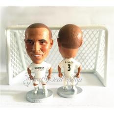 Mô hình cầu thủ bóng đá Roberto Carlos (Real Madrid)
