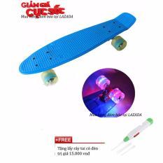 Ván trượt Skateboard thép nguyên khối Bánh 3 lớp có đèn led -Ván trượt siêu hạng đường phố- Ván trượt thể thao gg24 chịu tải 100kg + Free lấy ráy tai có đèn (Xanh)