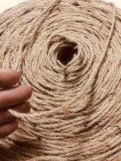 Size 3mm – Cuộn 100 mét dây thừng dây gai trang trí 3mm Sợi dây được sản xuất từ thân của cây gai tự nhiên, dẻo dai, bền chắc