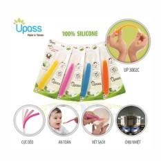 Thìa Ăn Dặm 100% Silicon Upass UP3002C Cho Bé, Không BPA An Toàn Cho Bé ( giao màu ngẫu nhiên )