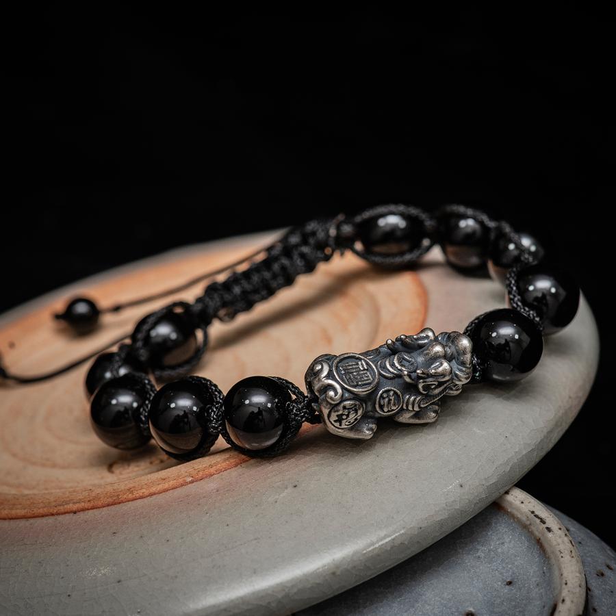 Vòng tay phong thùy thời trang handmade đá đen tỳ hưu shamballa