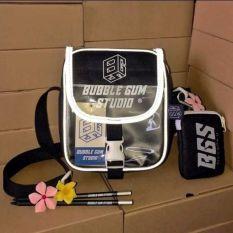 Túi chéo BUBBLE GUM STUDIO phản quang phối túi trong (kèm ví nhỏ)
