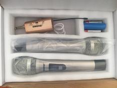 Bộ Micro đa năng không dây cao cấp Shure ( 2 Tay mic )