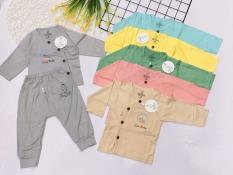 Bộ dài Kwoo cutebaby vạt chéo, quần đáp đũng cho bé sơ sinh chất liệu thun lạnh mềm mại mát mẻ cho bé 3-9kg