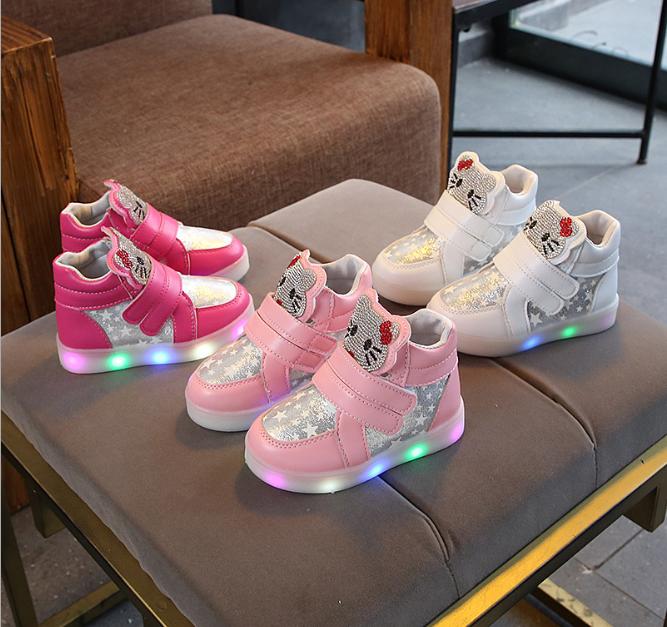 Giày cho bé gái có đèn LED A9