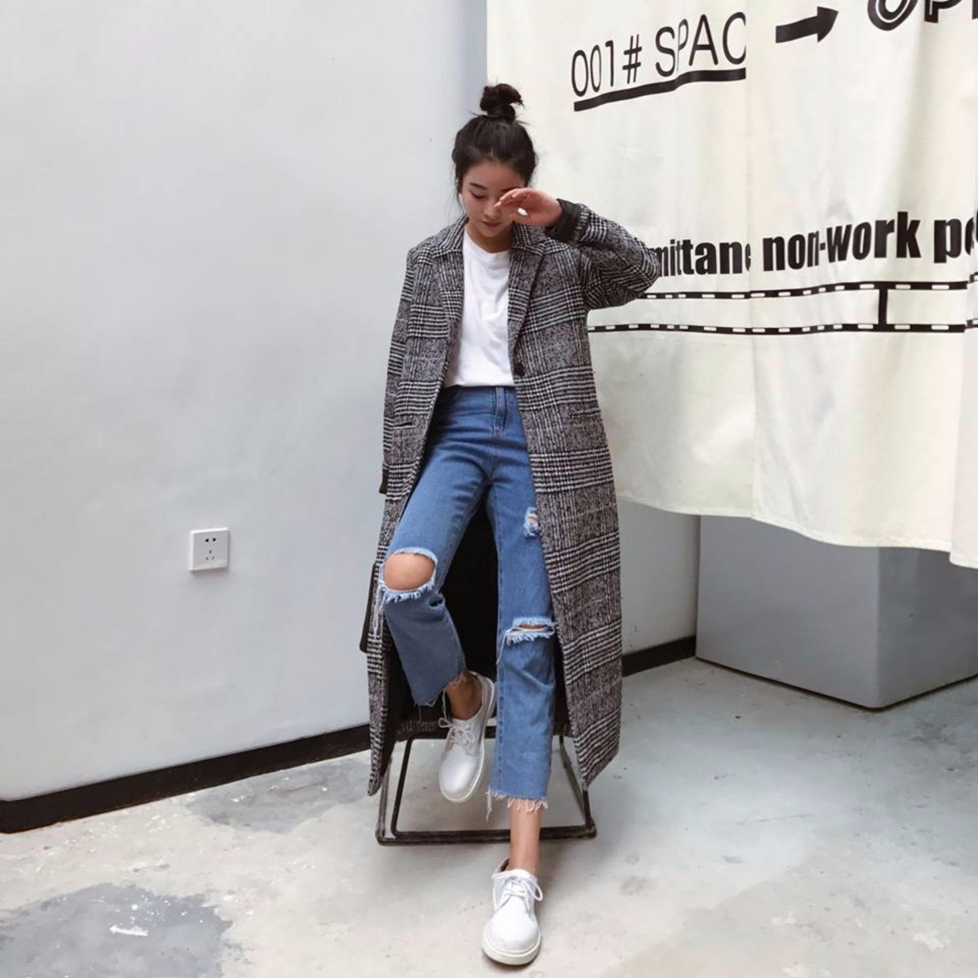 Áo khoác nữ màu ghi kẻ dáng dài freesize