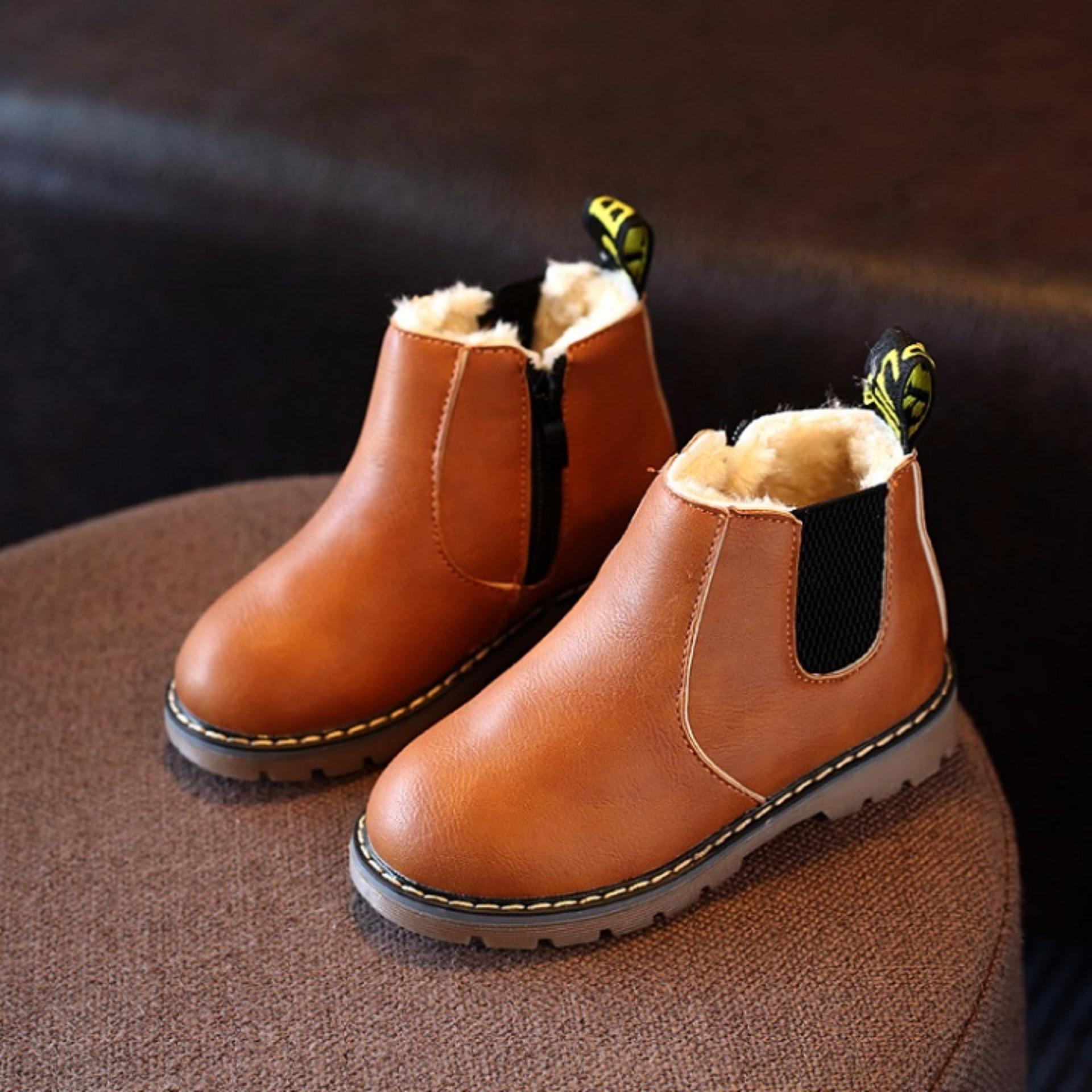 Giày boot cổ thun trẻ em