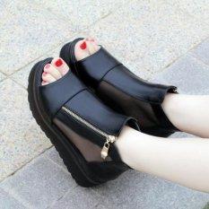 Giày sandal đế độn cá tính S074D (Đen)