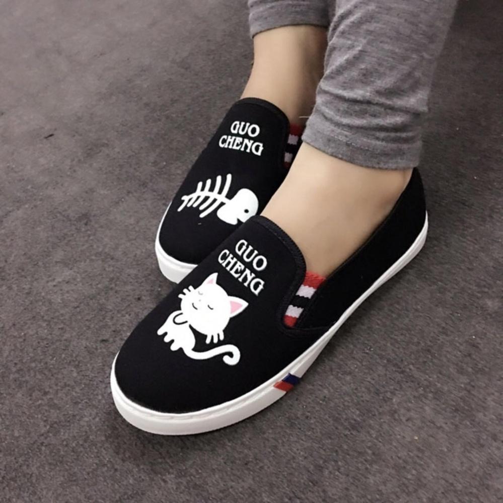 Giày slip on Koin hình cá mèo màu đen VV38
