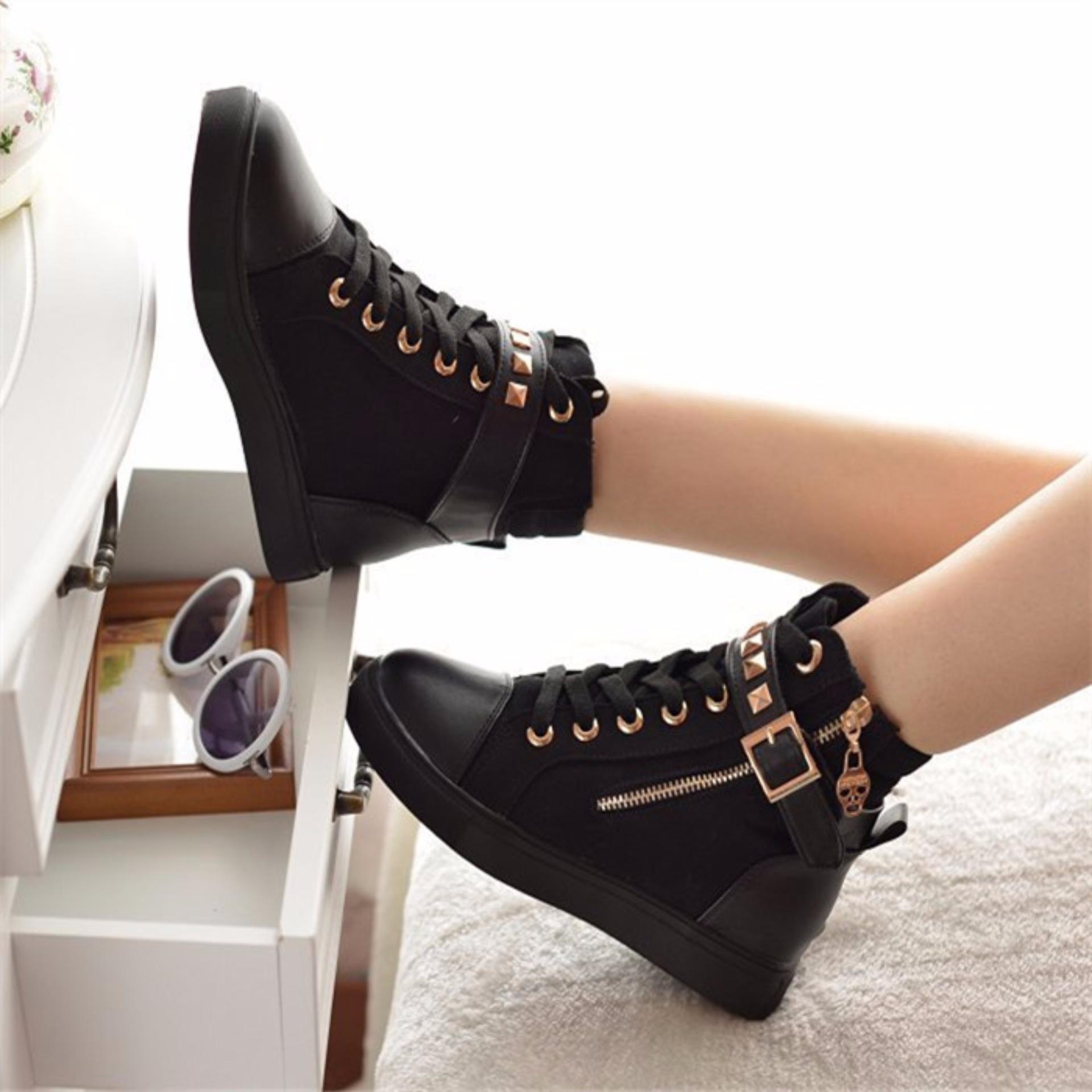Giày sneaker nữ cổ cao nạm kim loại MSP 2109 (Đen)