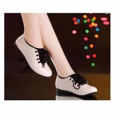 Giày thể thao nữ êm chân – Kem