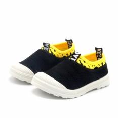 Giày Thời Trang Trẻ Em Kids Velo (Đen)