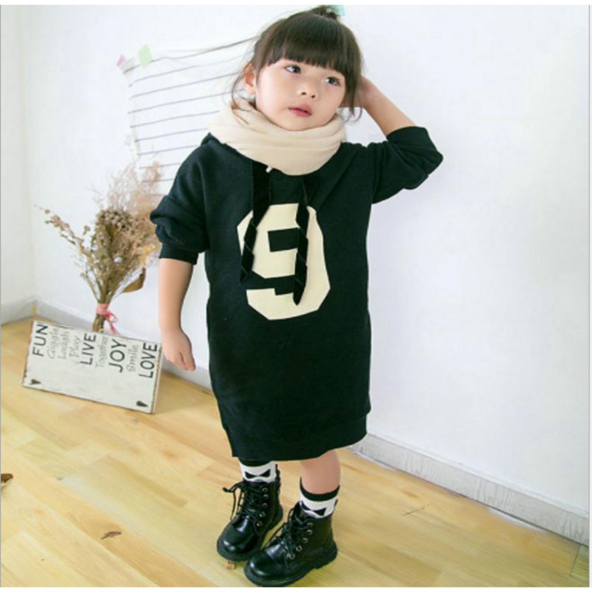 Váy dài cho bé màu đen in số 9 ( 12-20 kg )