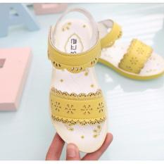 Cách mua Xăng đan đẹp chống trơn trượt cho bé gái cấp 1, cấp 2 (mầu vàng)