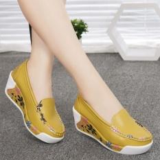 Giày đế xuồng vàng