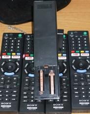 Một cái remost tivi sony internet ( không giọng nói )