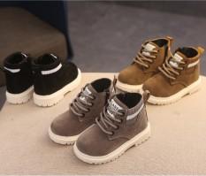 Giày Bé Trai Cao Cổ Da Lộn Thiết Kế Hàn Quốc Chất Liệu Đẹp Đi Bền Êm Chân Dễ Phối Đồ