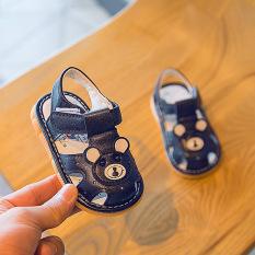 Giày tập đi – Sandal cho bé trai bé gái tập đi hình gấu đế mềm chống trơn trượt, phát tiếng kêu phong cách Hàn Quốc G31