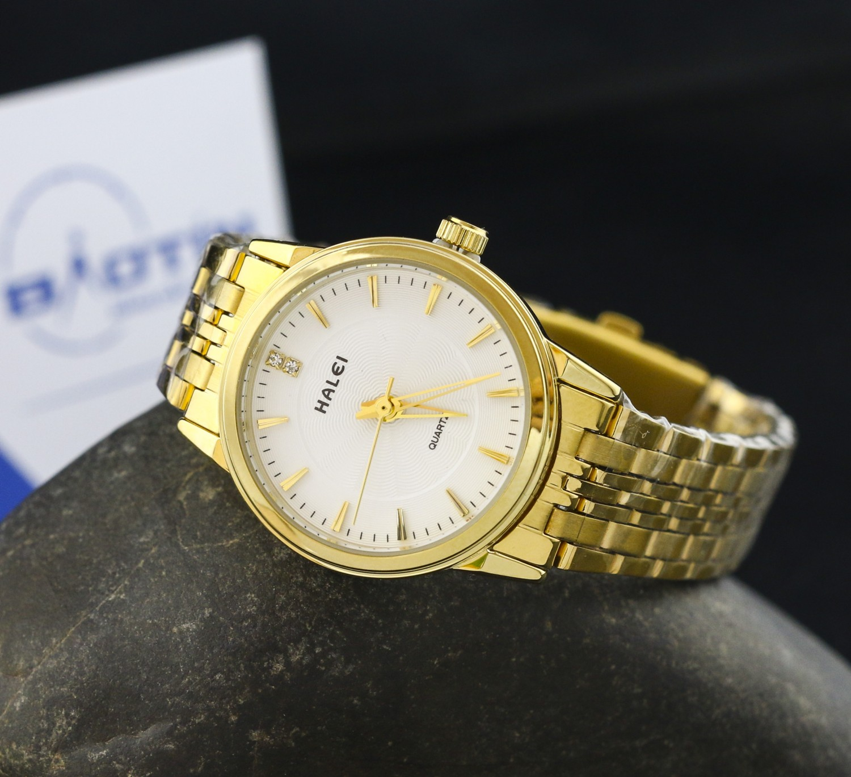 Đồng hồ nữ dây thép không gỉ Halei mạ vàng DHNL1039