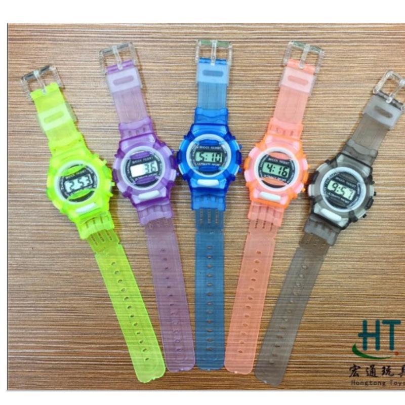 Đồng hồ thể thao dây nhựa cho bé bán chạy