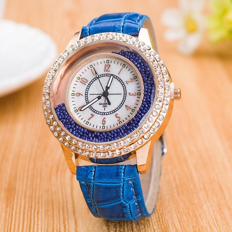 Nơi bán Fast selling through the explosive section of the diamond sand full stream of women's watches gogoey European and American fashion ladies watch spotwhite - intl