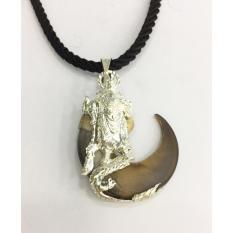 Mặt dây chuyền móng gấu đại tự nhiên bọc bạc hình Quang Công