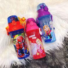 Bình nước nút bấm hình nhân vật Spiderman, công chúa Princess, Frozen siêu xinh cho các bé – 470ml – (Thái Lan) – (6.5×6.5x21cm)