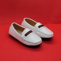 Giày trẻ e nam size từ 21 đến 35 cho bé từ 1 tuổi đến 10 tuôi
