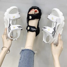 (2 MÀU) Sandal nữ Ulzang đế cao siêu êm 2 quai gắn hoa cúc hót trend 2 màu Đen Trắng