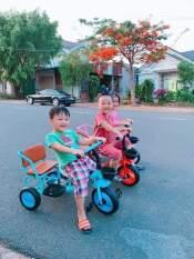 XE ĐẠP TRẺ EM – XÍCH LÔ -, Xe đạp xích lô yên da cho bé 2-6t