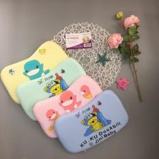 Gối cao su non cao cấp cho bé sơ sinh hàng đẹp được thiết kế theo đúng tiêu chuẩn kích thước thân hình của trẻ sơ sinh