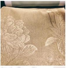Rèm vải trang trí (có sẵn khoen) – hoa văn dày màu vàng kem