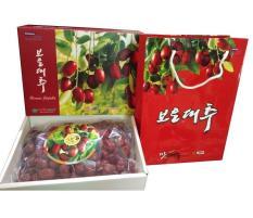 Táo đỏ sấy khô Hàn Quốc 1kg ( Hộp quà tặng nhập khẩu )