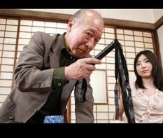Roi da tokuda – dụng cụ hóa trang SM