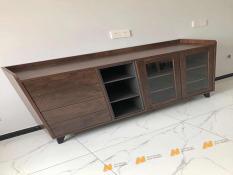 Tủ gỗ An Nhiên hiện đại góc cạnh sắc nét phù hợp căn hộ xứng đáng đồng tiền bỏ ra Gỗ MDF loại cao cấp độ dày 17mm chất lượng gỗ vượt trội Mẫu mới hiện đại B236