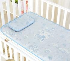 Bộ chiếu gối điều hòa cho bé được làm từ sợi mây tổng hợp, những sợi mây mềm đan xen lỗ thông khí tạo cảm giác thoáng mát