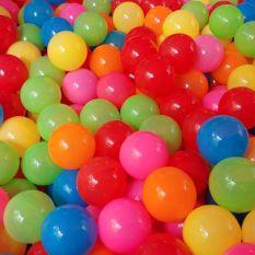 50 quả bóng nhựa Việt Nam đường kính 5cm dùng nhà bóng , bể bơi , lều bóng