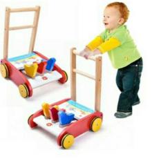Xe gỗ tập đi có tiếng kêu cho bé