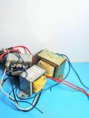 Biến áp đơn 220V- 9-11V/1A-12V/1.4A (tháo máy)3 cái. BA.01