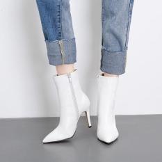 Giày boot nữ cổ lửng gót nhọn trắng sành điệu GBN1102