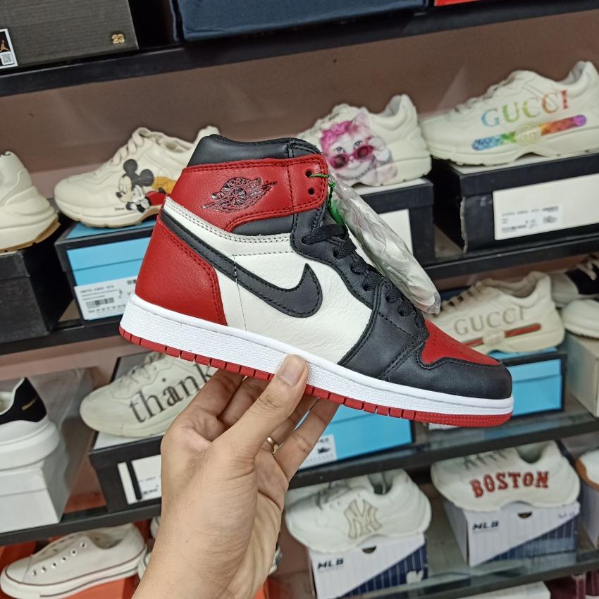⚡Có sẵn⚡ Giày Bóng Rổ Jordan 1 Cổ Cao Bred Toe