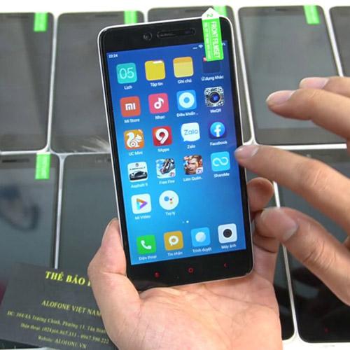 Điện thoại giá rẻ Xiaomi Redmi Note 2 Màn hình cảm ứng FullHD 5.5inch – 2 SIM – Hỗ trợ thẻ nhớ micro SD – Camera trước: 5 MP, Camera sau: 13 MP – Hệ điều hành: Android 5.1 Hỗ trợ 3G, 4G LTE, Wifi Dung lượng pin: 3060 mAh