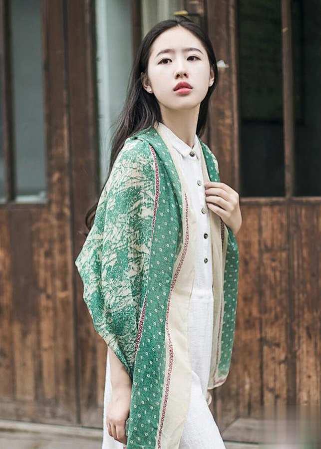 Khăn Choàng Cổ Màu Xanh Họa Tiết Lá - Cotton Viscose - 180x100cm - Mã KC029