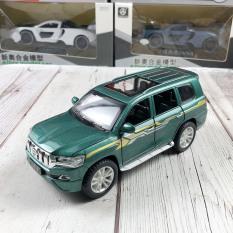 Xe mô hình tĩnh Toyota Landcuiser PRADO bằng sắt tỉ lệ 1:32 Xe chạy cót có âm thanh và đèn