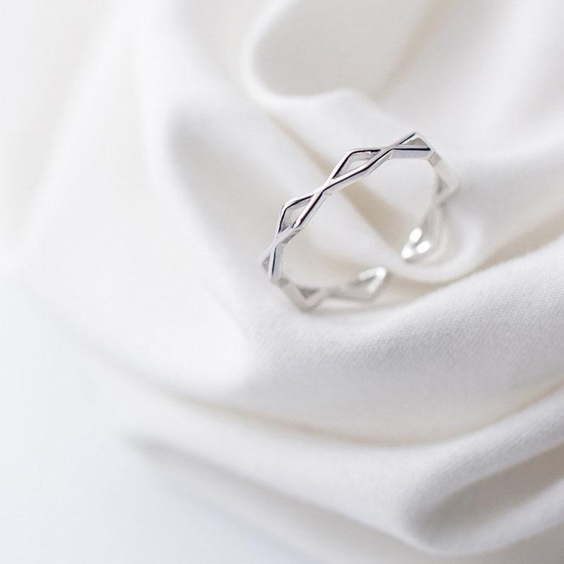 Nhẫn Bạc | Nhẫn Bạc Nữ Thiết Kế Độc Đáo Cá Tính Phong Cách Trẻ Trung Năng Động Dành Cho Phái Đẹp N2456 – Bảo Ngọc Jewelry