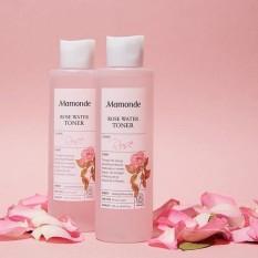 Nước hoa hồng Mamonde Rose Water toner 250ml nước hoa hồng damask sẽ cân bằng độ pH, độ ẩm lập tức ngay khi thoa lên da. Sản phẩm chứa rất nhiều vitamin thiệt tốt cho da, làm mềm và mịn da lão hoá.