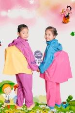 Sản phẩm áo mưa trẻ em – Loại áo mưa có lưng che cặp – Tiện lợi dành cho bé – Hàng chính hãng công ty – Bảo hành uy tín 1 đổi 1