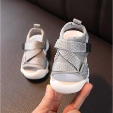 Dép sandal quai chéo chống vấp cho bé